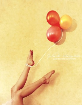 Captured by balloons  by Julie de Waroquier