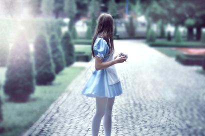 Alice 2by ~LoveInMist