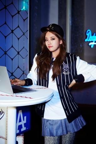 Suzy miss A LA Dodgers MLB CF (9)