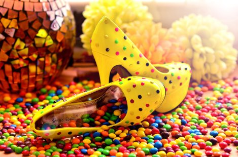 yellow_candy_shoes_by_photobysavannah