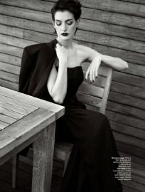 ANNE HATHAWAY – ELLE UK (NOVEMBER 2014) (8)