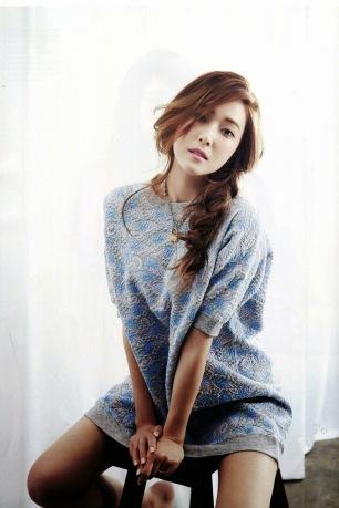 Jessica Jung SNSD - Harper's Bazaar Magazine May Issue 2014 (8)