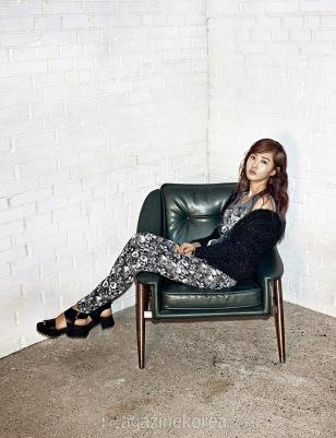 Yuri SNSD Harper's Bazaar March 2014 (9)